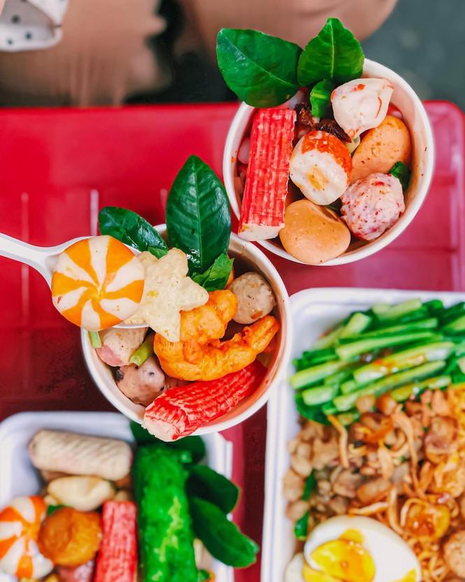 Sài Gòn trở lạnh, cùng gõ cửa thế giới xiên que và gà nướng phô mai - ảnh 3