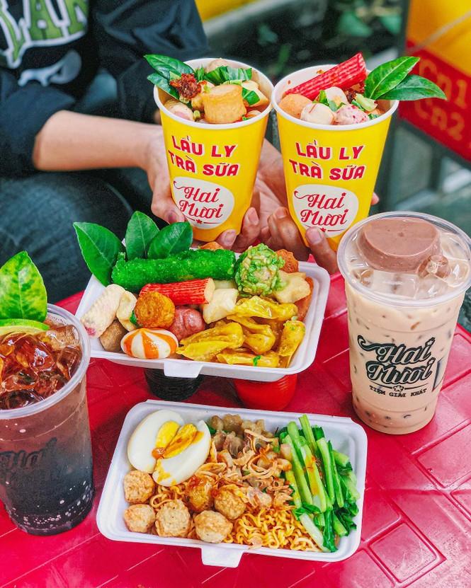Sài Gòn trở lạnh, cùng gõ cửa thế giới xiên que và gà nướng phô mai - ảnh 1