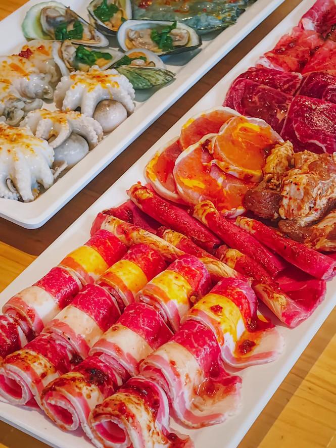 """Bạn chọn ăn hải sản """"hạt dẻ"""" vỉa hè hay hải sản kiểu buffet """"chanh xả""""? - ảnh 8"""
