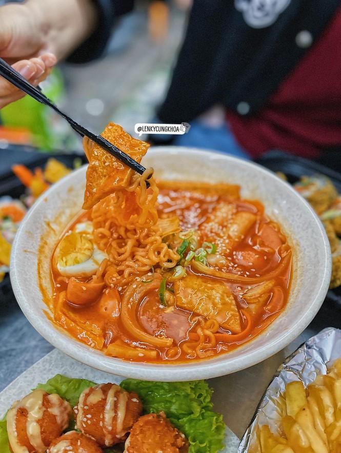Hẹn hò Sài Gòn: Thực đơn ăn no nứt bụng dưới 100K - ảnh 7