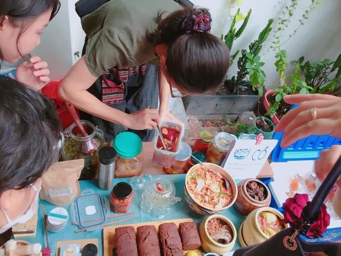 Chợ phiên Tháng Mười Hai: Thiên đường dành cho những tâm hồn yêu môi trường và mê đồ organic  - ảnh 1