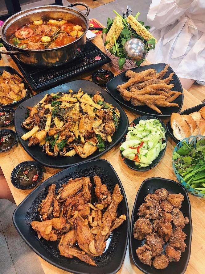 Hà Nội phố: Lấp đầy chiếc bụng đói với thực đơn ngon quên lối về tại Phố Cổ  - ảnh 1