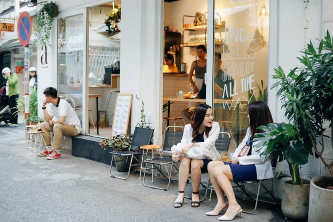 Hẹn hò Sài Gòn: Dừng chân nghỉ ngơi tại hai tiệm cà phê xinh xắn ẩn mình trong hẻm nhỏ - ảnh 3