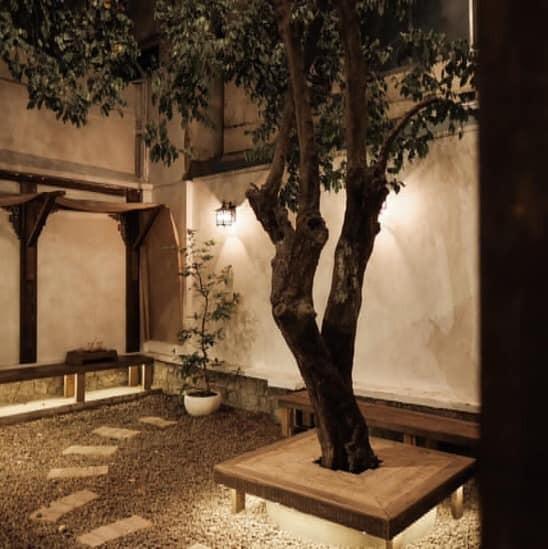 Hẹn hò Sài Gòn: Dừng chân nghỉ ngơi tại hai tiệm cà phê xinh xắn ẩn mình trong hẻm nhỏ - ảnh 8