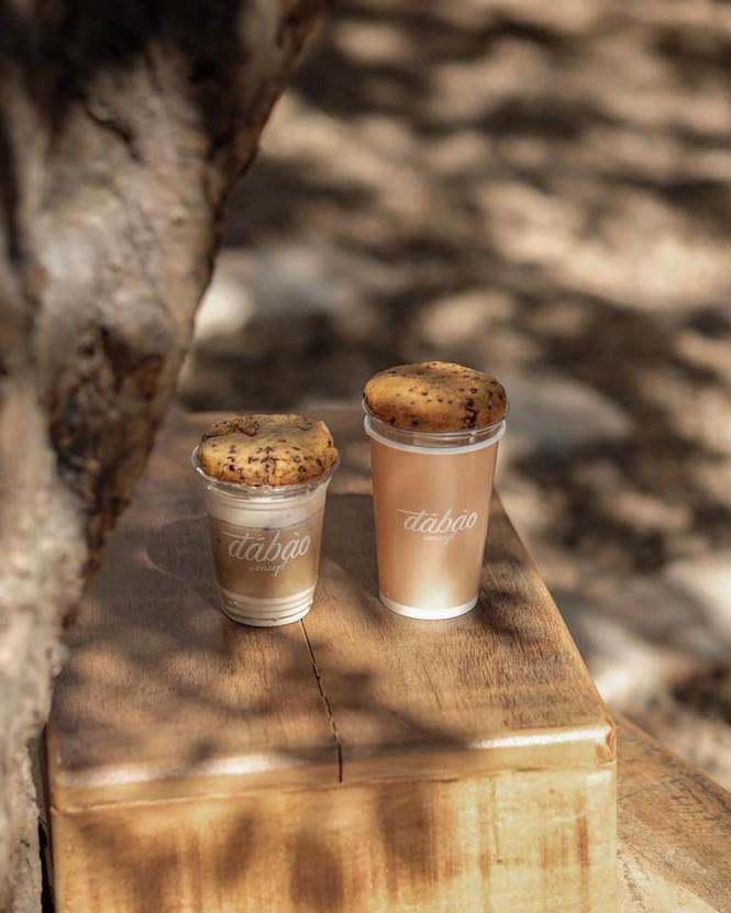 Hẹn hò Sài Gòn: Dừng chân nghỉ ngơi tại hai tiệm cà phê xinh xắn ẩn mình trong hẻm nhỏ - ảnh 6