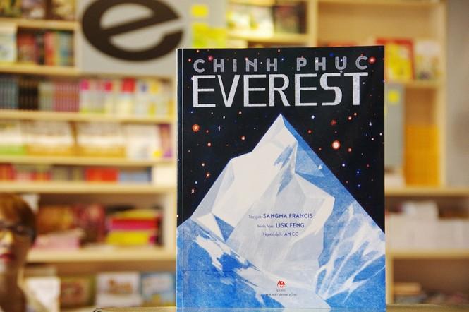 """""""Lướt cùng Tí Địa Lí"""" và """"Chinh phục Everest"""": Sách vừa học vừa chơi, rong ruổi thế giới - ảnh 3"""