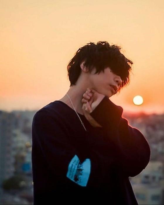 Trong thế giới fangirl: Kenshi Yonezu là ánh sáng trong cuộc sống của tôi - ảnh 1