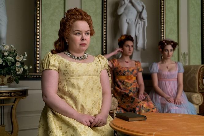 """""""Bridgerton"""" và những bộ trang phục lộng lẫy: Mỗi một màu sắc """"bật mí"""" một bí mật  - ảnh 4"""