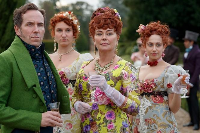 """""""Bridgerton"""" và những bộ trang phục lộng lẫy: Mỗi một màu sắc """"bật mí"""" một bí mật  - ảnh 6"""