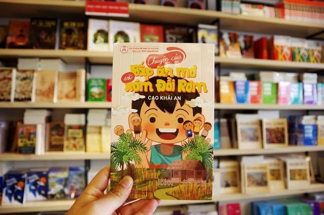 Tác giả nhí Cao Khải An: Con trai Nguyễn Ngọc Tư, ở nhà nghỉ dịch viết truyện thiếu nhi - ảnh 2