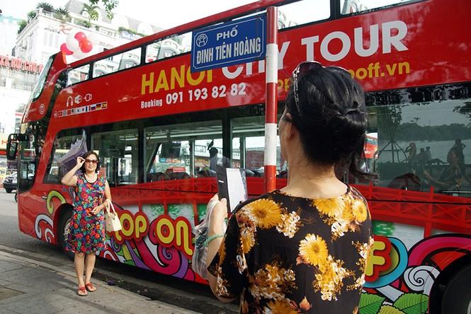 Hà Nội khai trương xe buýt 2 tầng phục vụ khách du lịch - ảnh 15