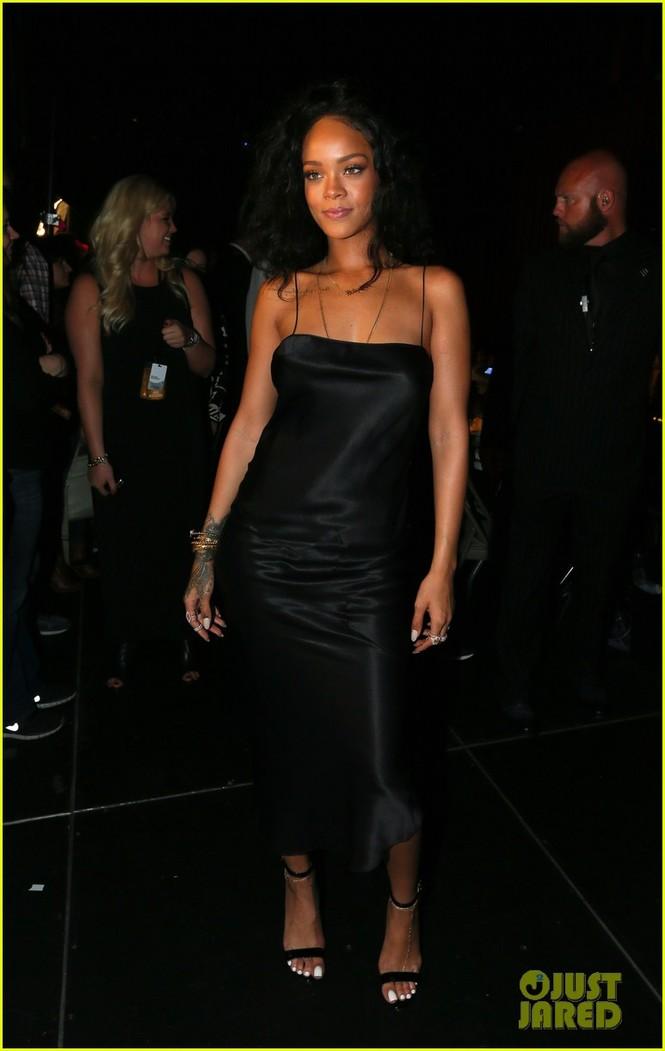"""Rihanna đoạt giải """"Người phụ nữ được khao khát nhất"""" 2014 - ảnh 1"""
