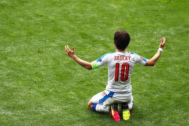 Cận cảnh trận thắng nhọc nhằn của Tây Ban Nha - ảnh 12