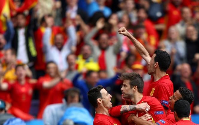 Cận cảnh trận thắng nhọc nhằn của Tây Ban Nha - ảnh 16