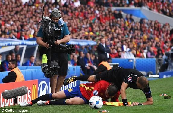 Cận cảnh trận thắng nhọc nhằn của Tây Ban Nha - ảnh 5