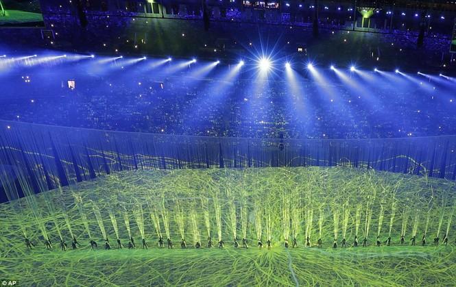 Khai mạc Olympic 2016: Rực rỡ pháo hoa, rộn ràng hát ca - ảnh 11