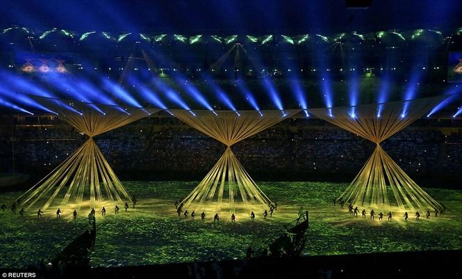 Khai mạc Olympic 2016: Rực rỡ pháo hoa, rộn ràng hát ca - ảnh 15