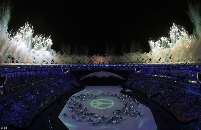 Khai mạc Olympic 2016: Rực rỡ pháo hoa, rộn ràng hát ca - ảnh 4