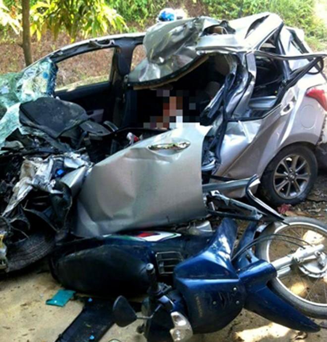Bị xe tải đâm, gia đình 3 người thảm nạn - ảnh 1
