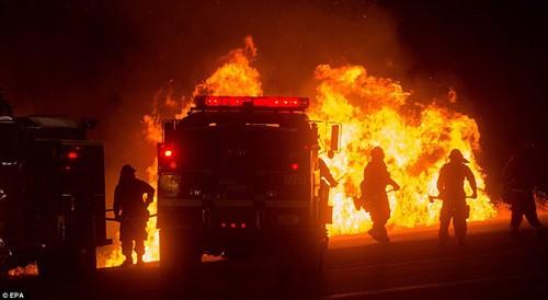 Cháy rừng khủng khiếp ở Mỹ, 13 người thương vong - ảnh 8