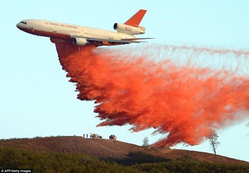 Cháy rừng khủng khiếp ở Mỹ, 13 người thương vong - ảnh 9
