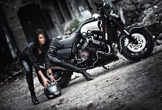 Nữ biker quyến rũ bên 'ma tốc độ' Yamaha V-Max - ảnh 4