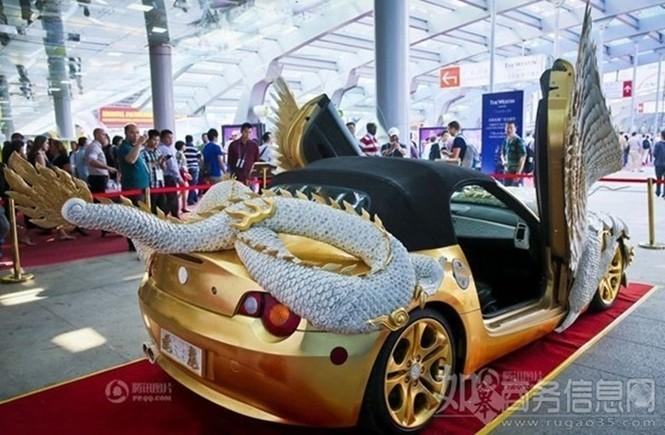 Lóa mắt với BMW Z4 hình rồng dát vàng lấp lánh - ảnh 5