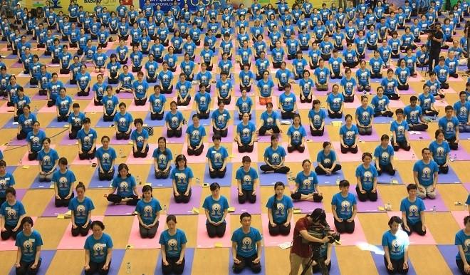 Gần 2000 người tham dự ngày Quốc tế Yoga tại Hà Nội - ảnh 3