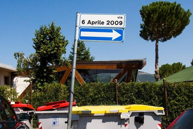Lạnh người với 'thị trấn ma' ở Italy sau thảm hỏa động đất - ảnh 19