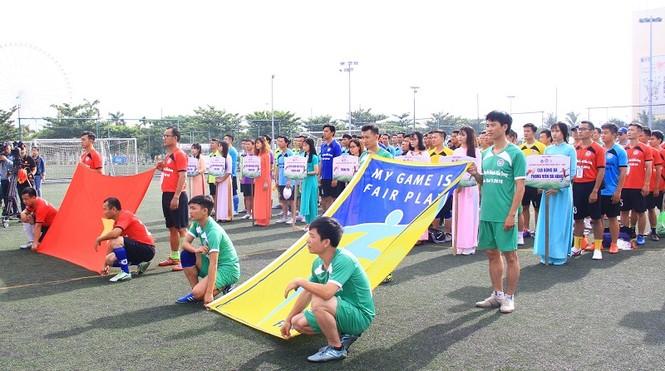 Khởi tranh giải bóng đá dành cho các nhà báo khu vực miền Trung - ảnh 1
