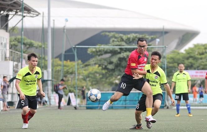 Khởi tranh giải bóng đá dành cho các nhà báo khu vực miền Trung - ảnh 4