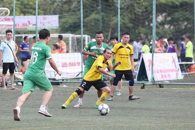 Khởi tranh giải bóng đá dành cho các nhà báo khu vực miền Trung - ảnh 5