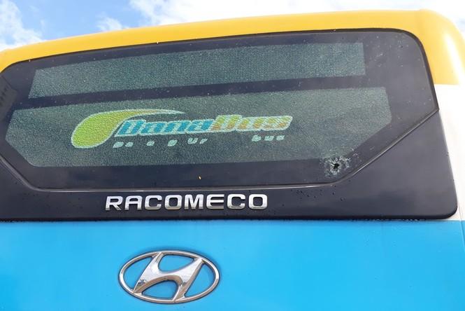 Chủ tịch Đà Nẵng yêu cầu điều tra vụ 2 xe buýt bị đập phá - ảnh 2