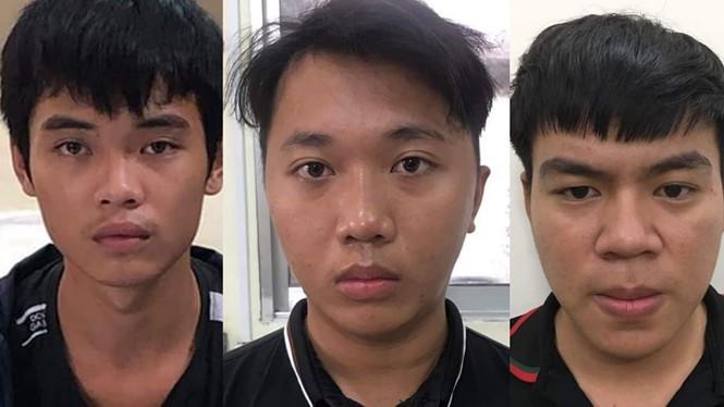 """Ba thanh niên chém người vì cho rằng bị """"nhìn đểu"""" - ảnh 1"""
