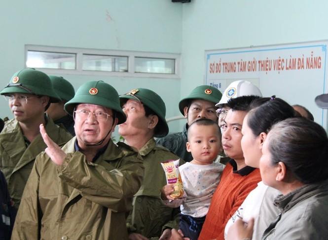 Phó Thủ tướng Trịnh Đình Dũng: Nhiệm vụ phòng chống bão số 9 hết sức khẩn cấp - ảnh 1