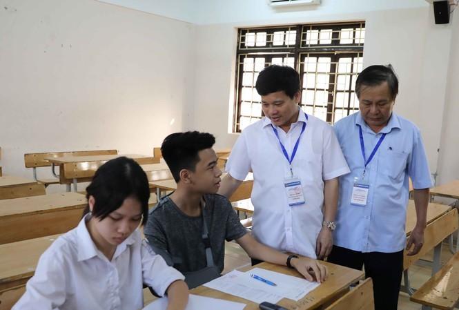 Nhìn lại toàn cảnh kỳ thi vào 10 của teen Hà Nội: