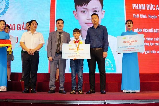 Lễ trao giải cuộc thi IOE lần thứ 10: Hàng trăm học sinh tài năng háo hức nhận phần thưởng - ảnh 2