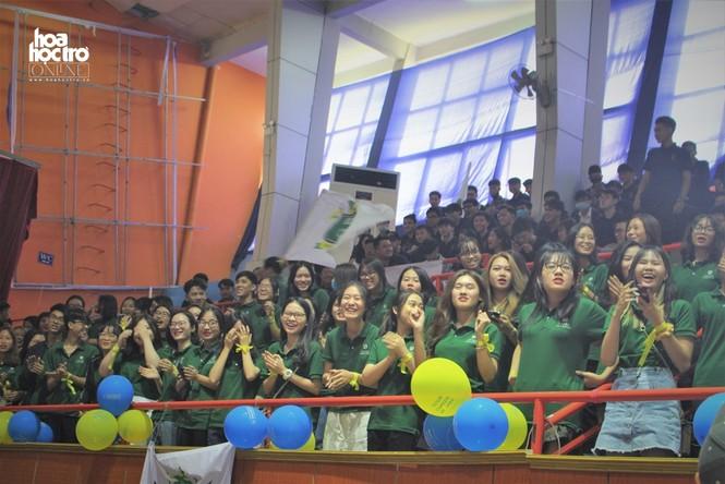 Vừa nhập học, các bạn tân sinh viên này đã được chào đón bằng tuần lễ hội nhập cực vui! - ảnh 3