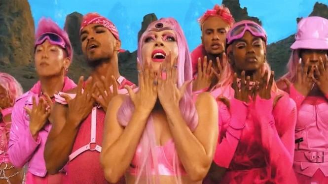 """Xác nhận chính thức màn collab: Ariana Grande và """"mẹ quái vật"""" Lady Gaga - ảnh 4"""