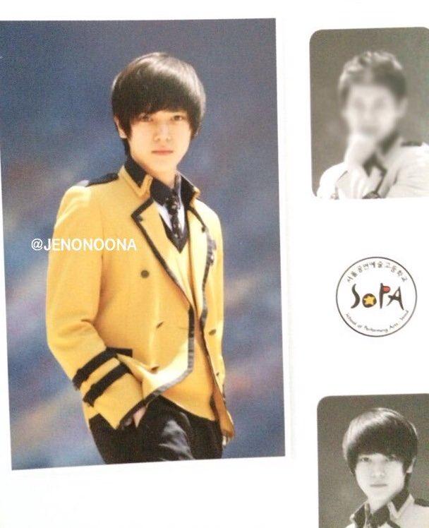 Ảnh tốt nghiệp của idol K-Pop: ai cũng xinh lung linh - ảnh 12