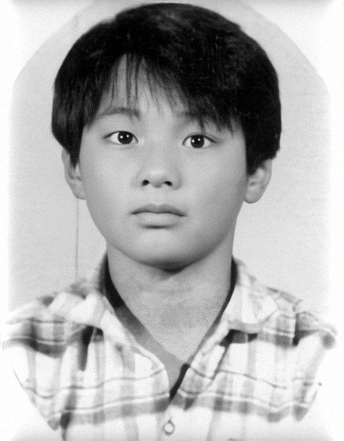 Ảnh tốt nghiệp của idol K-Pop: ai cũng xinh lung linh - ảnh 1