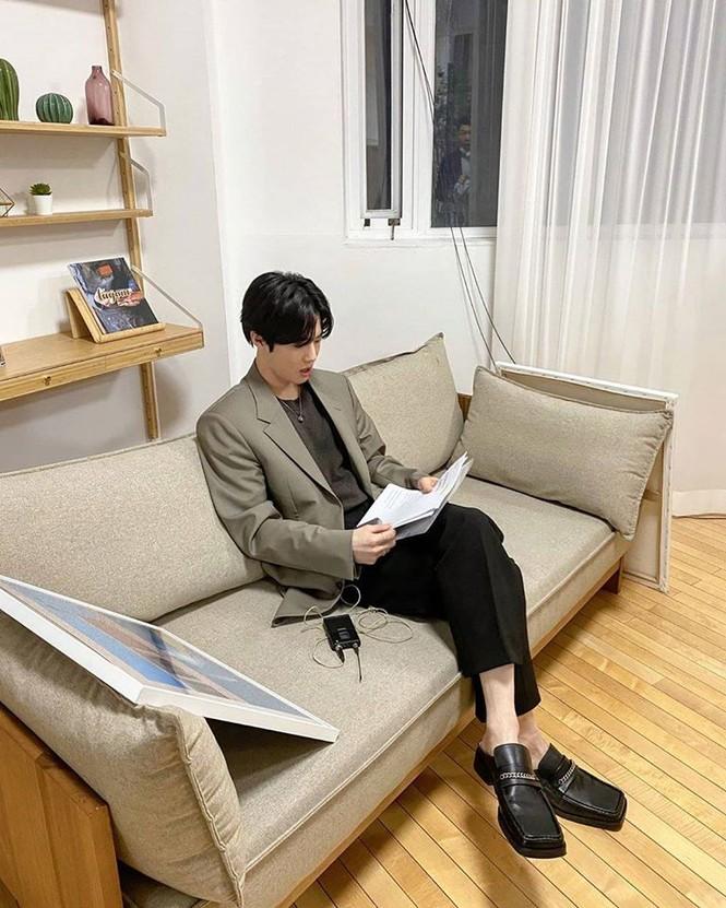 Suho (EXO) đăng tải một tấm hình khiến fan bật cười - ảnh 1