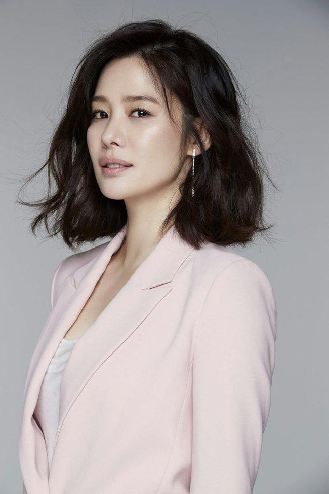 IU được bầu là nữ diễn viên xinh đẹp nhất Hàn Quốc - ảnh 2