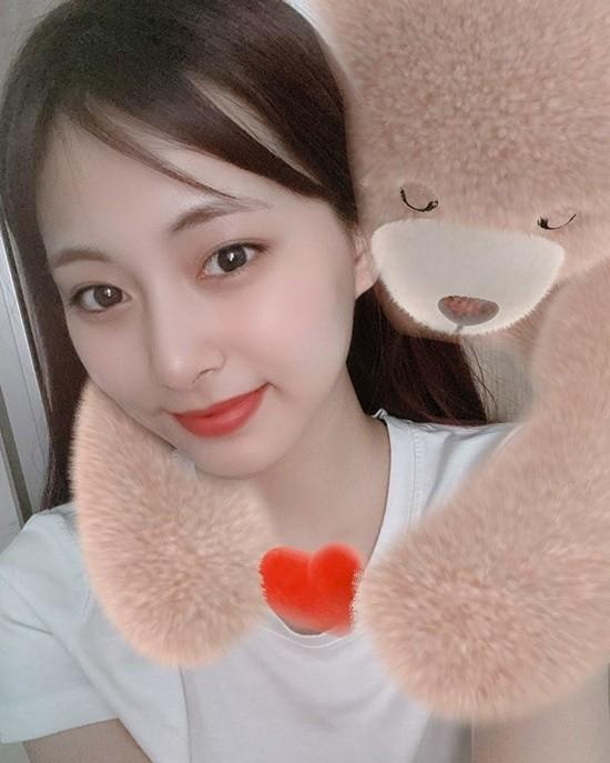 Sao Hàn 24H: Tzuyu khoe ảnh selfie, Kim Sejeong gặp IZ*ONE - ảnh 6