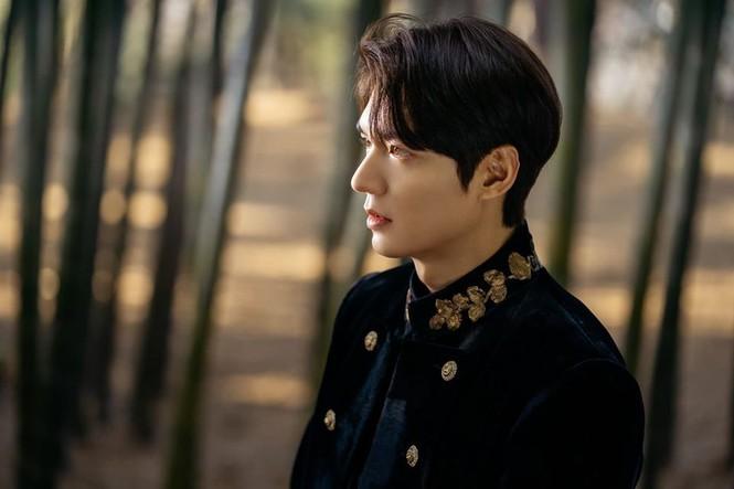 Lee Min Ho khiến Kim Go Eun xao xuyến vì chiếc mũi cực phẩm - ảnh 7