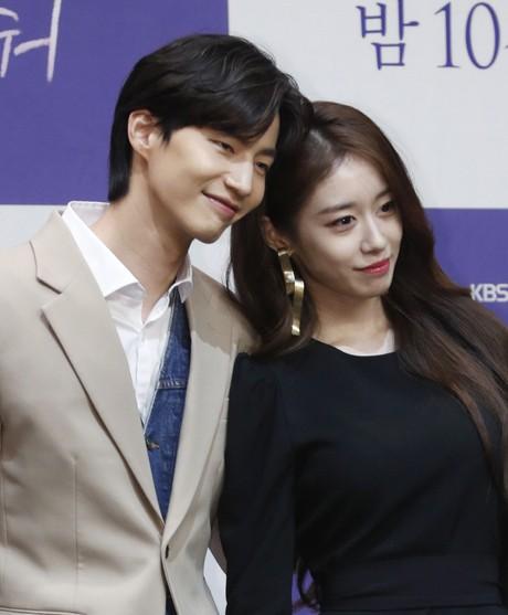 """Thật khó tin Jiyeon (T-ara) và chàng trai này chỉ là """"đôi bạn thân thích đạp xe"""" - ảnh 3"""