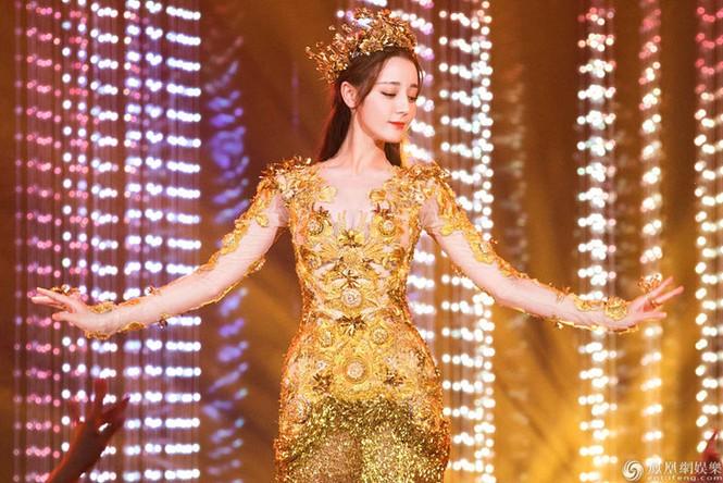 Sau thất bại hai năm trước, cuối cùng Dương Tử đã trở thành Nữ thần Kim ưng 2020 - ảnh 1