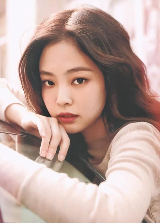Thử đoán xem điểm gì trên khuôn mặt Jennie khiến con gái xứ Hàn ước ao nhất? - ảnh 3
