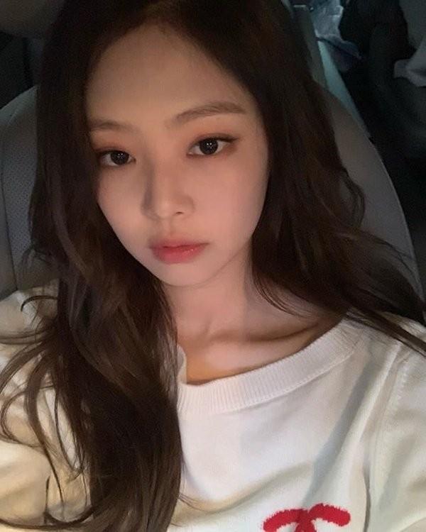 Thử đoán xem điểm gì trên khuôn mặt Jennie khiến con gái xứ Hàn ước ao nhất? - ảnh 4