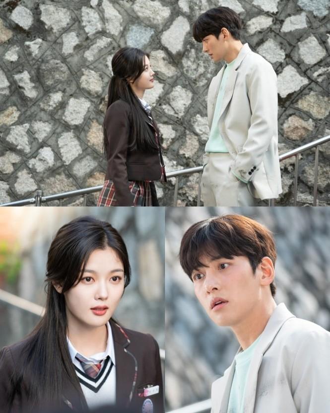 Hôn nhau ngay tập đầu, phim của Ji Chang Wook và Kim Yoo Jung nhận đủ gạch đá - ảnh 1
